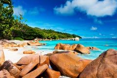Βράχοι γρανίτη στην παραλία Anse Λάτσιο Οι Σεϋχέλλες Στοκ Φωτογραφία