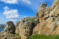 Βράχοι γρανίτη στην όμορφη παραλία Στοκ Φωτογραφία