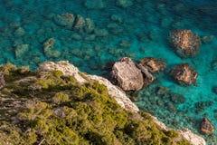 Βράχοι και τα ρηχά νερά Στοκ Φωτογραφία