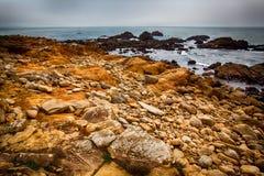 Βράχοι και ωκεανός Στοκ εικόνες με δικαίωμα ελεύθερης χρήσης