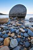 βράχοι λιμνών Στοκ εικόνα με δικαίωμα ελεύθερης χρήσης