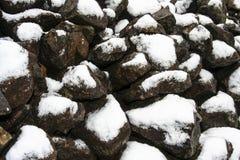Βράχοι με το χιόνι Στοκ Εικόνες