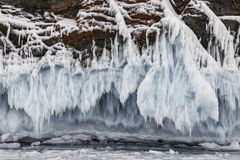 Βράχοι που καλύπτονται με τον πάγο στη λίμνη Baikal Νοτιοανατολική Σιβηρία στοκ φωτογραφία με δικαίωμα ελεύθερης χρήσης