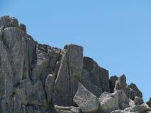Βράχοι στα αυστραλιανά χιονώδη βουνά Στοκ φωτογραφία με δικαίωμα ελεύθερης χρήσης