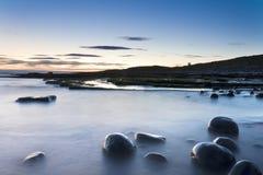 Βράχοι στην ακτή Στοκ εικόνα με δικαίωμα ελεύθερης χρήσης