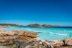 Βράχοι στην παραλία, τυχερός κόλπος, Esperance Στοκ Φωτογραφίες