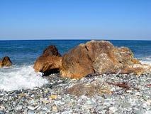 Βράχοι στην παραλία Στοκ φωτογραφία με δικαίωμα ελεύθερης χρήσης