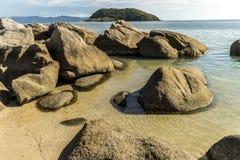 Βράχοι στην παραλία Στοκ φωτογραφίες με δικαίωμα ελεύθερης χρήσης