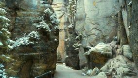 Βράχοι στη διάσημη δύσκολη πόλη των βράχων adrspach-Teplice Χειμώνας Στοκ Εικόνες