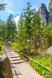 Βράχοι στο εθνικό πάρκο των βράχων adrspach-Teplice - Δημοκρατία της Τσεχίας Στοκ φωτογραφία με δικαίωμα ελεύθερης χρήσης