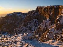 Βράχοι στο ηλιοβασίλεμα Στοκ Εικόνες