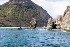 Βράχοι στο Fernando de Noronha Island Στοκ Φωτογραφίες