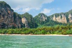 Βράχοι του AO Nang, επαρχία Krabi, Ταϊλάνδη Στοκ εικόνες με δικαίωμα ελεύθερης χρήσης