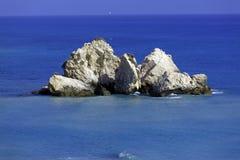 Βράχοι Aphrodite, Paphos, Κύπρος Στοκ φωτογραφία με δικαίωμα ελεύθερης χρήσης