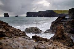 Βράχοι Dyrholaey στην Ισλανδία Στοκ φωτογραφία με δικαίωμα ελεύθερης χρήσης