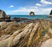 Βράχοι Kaiteriteri - εθνικό πάρκο του Abel Tasman, Νέα Ζηλανδία Στοκ Φωτογραφίες
