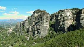 Βράχοι Meteora στην Ελλάδα απόθεμα βίντεο