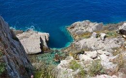 Βράχοι seacoast Στοκ εικόνα με δικαίωμα ελεύθερης χρήσης