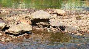 βράχοι Semois, βελγικές Αρδέννες ποταμών Στοκ εικόνα με δικαίωμα ελεύθερης χρήσης