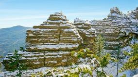 Βράχοι Taraktash χιονιού στοκ φωτογραφία