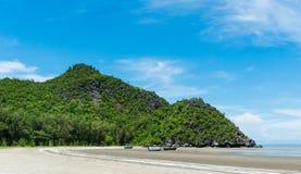 Βράχος ή πέτρινη παραλία Prachuap Khiri Khan Ταϊλάνδη του Sam Phraya βουνών ή Hill ευρέως στοκ εικόνες