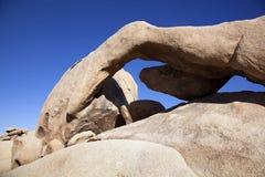Βράχος αψίδων στο εθνικό πάρκο δέντρων του Joshua Στοκ φωτογραφίες με δικαίωμα ελεύθερης χρήσης