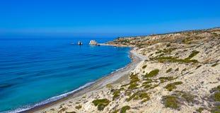 Βράχος και κόλπος Aphrodite στη Κύπρο Στοκ εικόνα με δικαίωμα ελεύθερης χρήσης