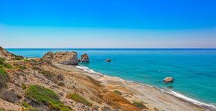 Βράχος και κόλπος Aphrodite στη Κύπρο Στοκ εικόνες με δικαίωμα ελεύθερης χρήσης