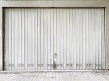 Βράχος μετάλλων πυλών γκαράζ Στοκ εικόνες με δικαίωμα ελεύθερης χρήσης