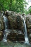 Βράχος ποταμών βουνών Okatse Ñ  anyon Γεωργία Στοκ εικόνες με δικαίωμα ελεύθερης χρήσης
