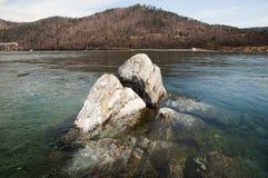 Βράχος σαμάνων κοντά στον ποταμό Angara - λίμνη Baikal - Ρωσία Στοκ Εικόνες