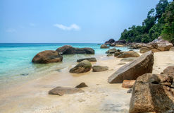 Βράχος στην παραλία παραλιών στο lipe Στοκ Φωτογραφίες