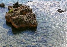 Βράχος στη θάλασσα Στοκ Εικόνες