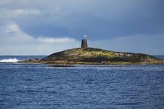 Βράχος στον ωκεανό στοκ φωτογραφία με δικαίωμα ελεύθερης χρήσης