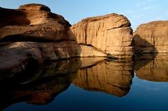 βράχος Ταϊλάνδη ratchathani θαύματο&sig Στοκ εικόνες με δικαίωμα ελεύθερης χρήσης