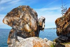 Βράχος στο lakeshore Baikal Στοκ φωτογραφίες με δικαίωμα ελεύθερης χρήσης