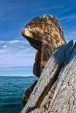Βράχος στο lakeshore Baikal. HDR Στοκ Εικόνες