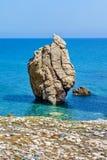 Βράχος Aphrodite ` s κοντά στο νησί της Κύπρου Στοκ εικόνα με δικαίωμα ελεύθερης χρήσης