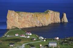 Βράχος Perce, πανοραμική εναέρια άποψη, Κεμπέκ Στοκ φωτογραφία με δικαίωμα ελεύθερης χρήσης