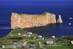 Βράχος Perce, πανοραμική εναέρια άποψη, Κεμπέκ Στοκ εικόνες με δικαίωμα ελεύθερης χρήσης