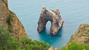 Βράχος Zolotyye Vorota (χρυσή πύλη) στοκ φωτογραφίες