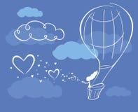 Βράδυ σύννεφων καρδιών κοριτσιών μπαλονιών αέρα Στοκ Εικόνες