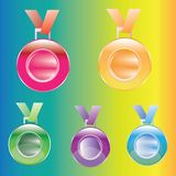 Βραβεία μεταλλίων για πρώτα, δεύτερη και τρίτη θέση που απομονώνεται σε ένα υπόβαθρο χρώματος Στοκ φωτογραφία με δικαίωμα ελεύθερης χρήσης
