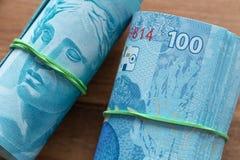 Βραζιλιάνα χρήματα, υψηλές μετονομασίες 100 reais στοκ φωτογραφίες