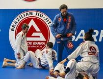 Βραζιλιάνο Jiu Jitsu ανάμιξε τις πολεμικές τέχνες επιτιθειμένος την κατάρτιση στην ακαδημία Fulham Gracie Barra στο Λονδίνο, UK Στοκ Εικόνες
