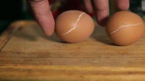 Βρασμένα αυγά κοντά επάνω απόθεμα βίντεο
