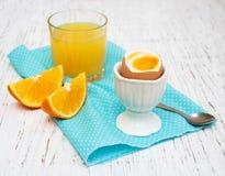 βρασμένα αυγά προγευμάτω&nu Στοκ Εικόνες