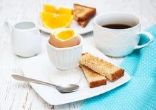 βρασμένα αυγά προγευμάτω&nu Στοκ Φωτογραφία