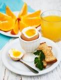 βρασμένα αυγά προγευμάτω&nu Στοκ φωτογραφία με δικαίωμα ελεύθερης χρήσης