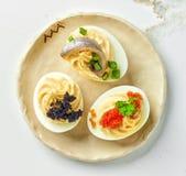 Βρασμένα γεμισμένα διακοσμητικά αυγά Στοκ Εικόνες